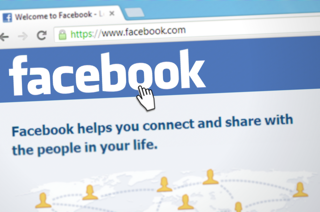 Maxthon Extends International Facebook Presence: Maxthon Fan Pages